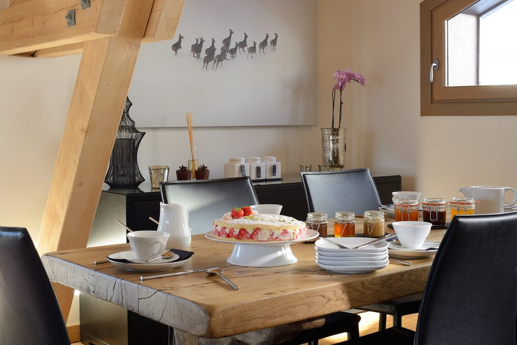 28. dining room-min