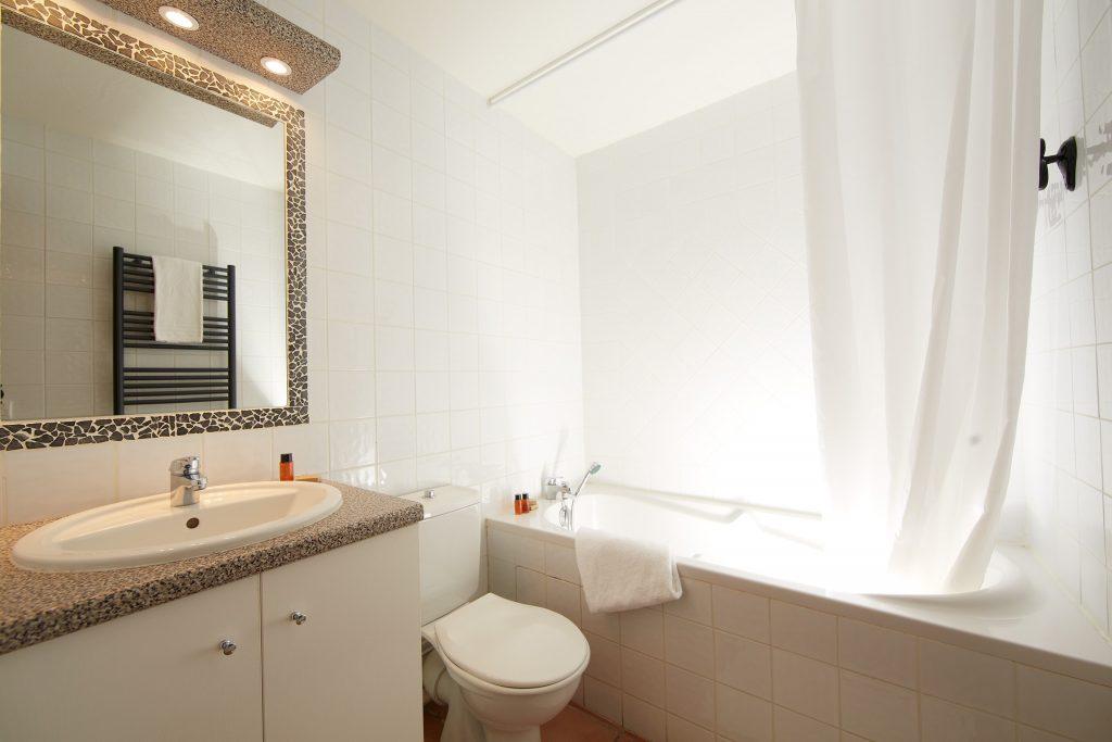 Chalet Authentique  Les Menuires - salle de bain - S.Chapuis2012-min