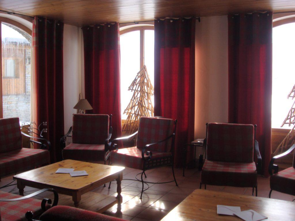 Chalets Authenthique reception intérieur 2-min