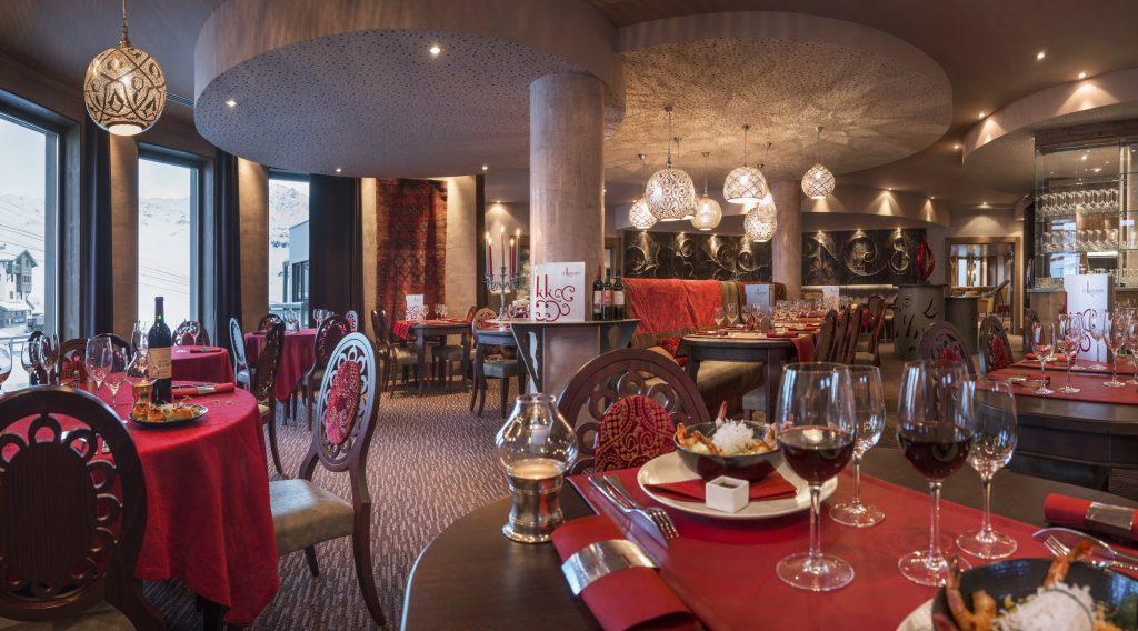 KASHMIR_Restaurant_Karmin_3_Crédit_Studio_Bergoend-min