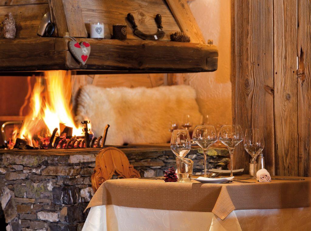 Sherpa_cheminée_restaurant-min