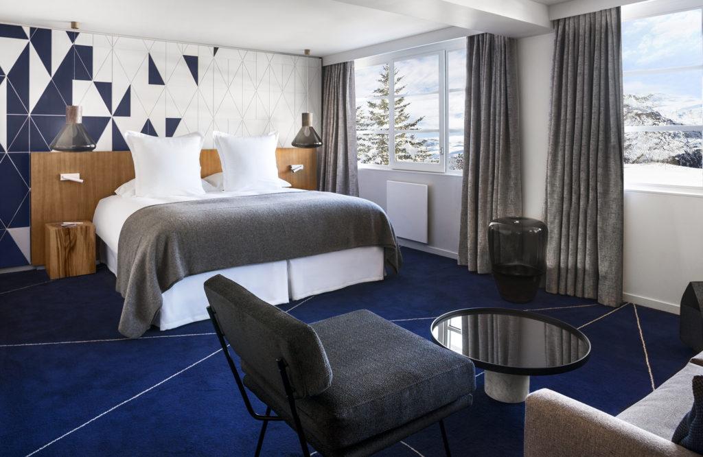 White 1921 Courchevel_Guestroom 3