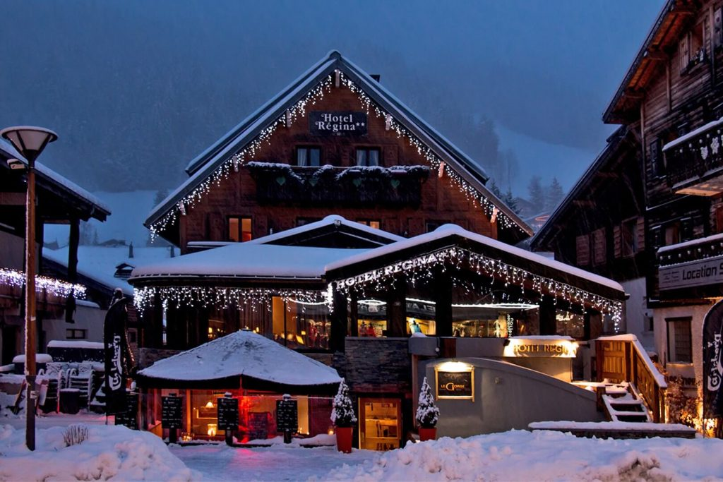 chalet hotel regina les gets les gets hotels france skiing. Black Bedroom Furniture Sets. Home Design Ideas
