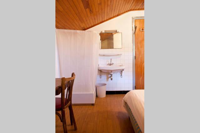 airbnb r19-min