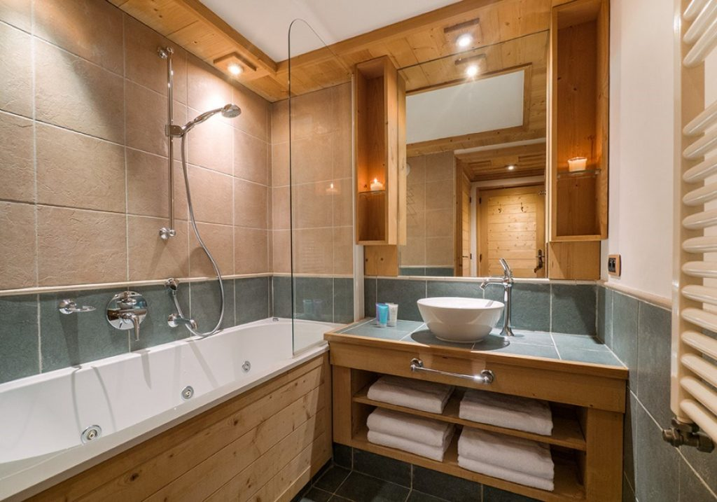 Aspen Hot Tub Suite 6 in Val d'Isere (2)